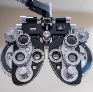mejores empleos oficios de moda profesiones con más futuro optometría oftalmología